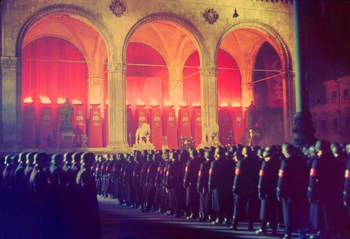 [ Annual midnight swearing-in of SS troops at Feldherrnhalle, Munich, 1938.]