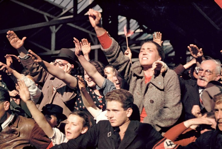 [Crowds cheering Adolf Hitler's campaign to unite Austria and Germany, 1938..]