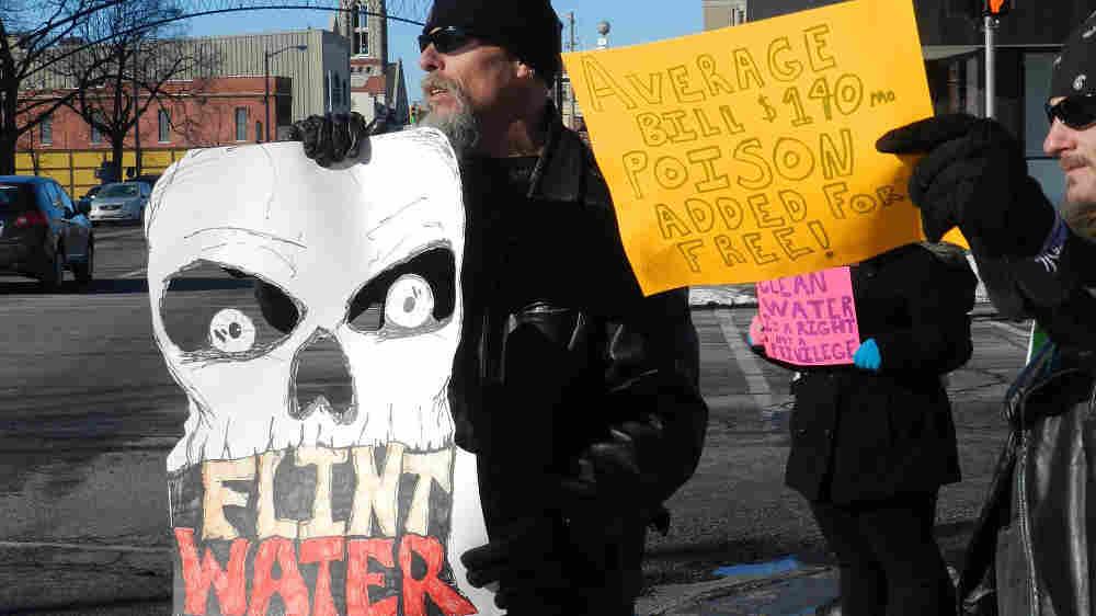 Need help on a Essay on Flint, Michigan!! NEED HELP NOW PLEASE?