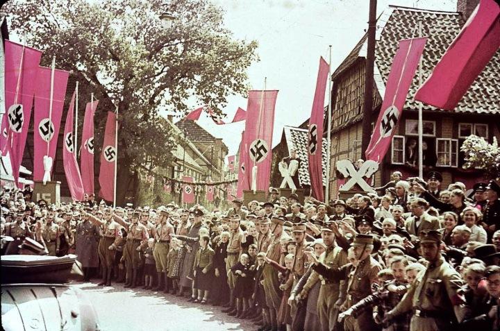 vio_Scene along roadway to the Fallersleben Volkswagen Works cornerstone ceremony, Germany, 1938.